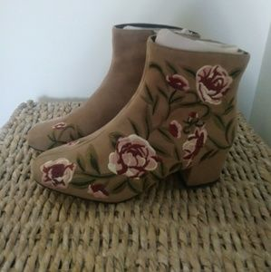 Tan Embroidered Boots